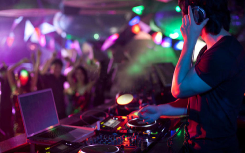 15 top tips to get your DJ career started